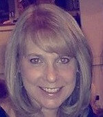 Headshot of Liz Tracy.