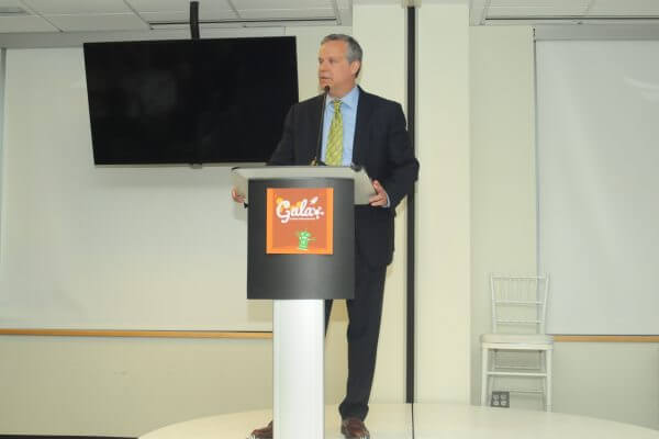 Board Member Jim Ellard speaks at Gala